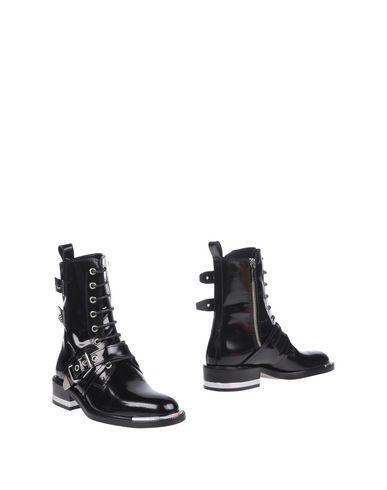 BARBARA BUI Ankle Boot in Black