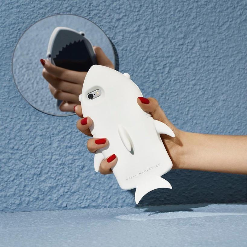STELLA MCCARTNEY Shark Gummy Silicon Iphone 6 Case, Grey